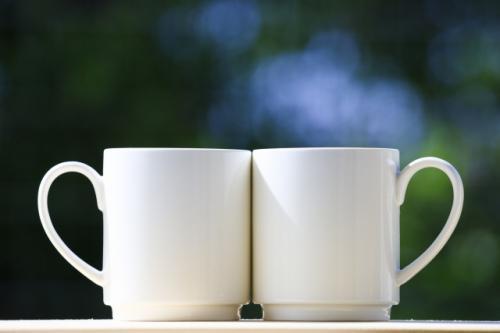 マグカップを使った芳香浴の仕方をご紹介します。